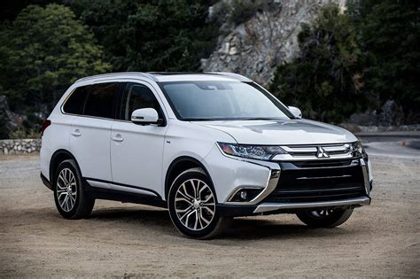 mitsubishi suv mitsubishi outlander suv offers more features in 2018