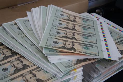 Best Paper To Make Counterfeit Money - canadians busted for printing millions of u s dollars