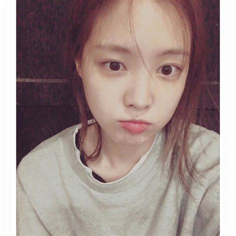 blackpink no makeup apink naeun shares bare face selfie on her instagram