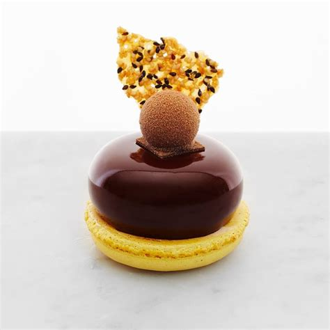 Petit Gateaux by Passionfruit Chocolate Petit G 226 Teau Passionfruit Cr 232 Me