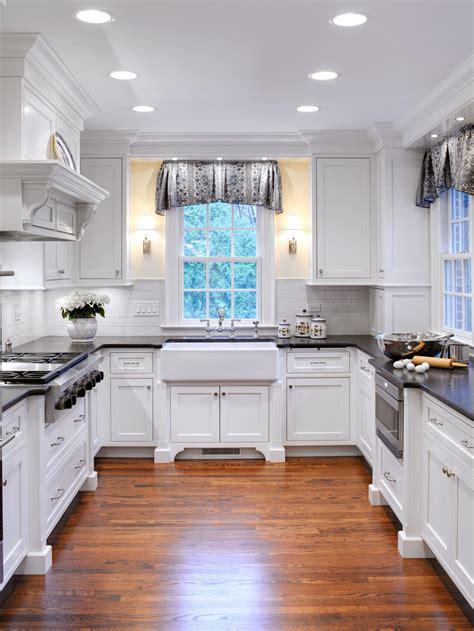 white cottage kitchens