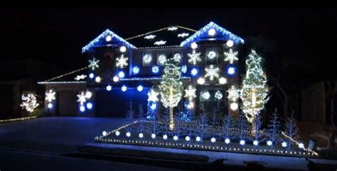 gangnam style christmas light display brightens the