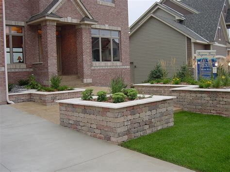 Planter Box In Front Of House by Landscape Garden Ideas Annuals Perennials And Shade Tree