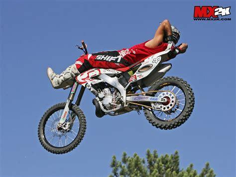 motocross figures les figures de freestyle sauts en motocross fmx