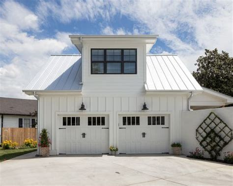 Farmhouse Garage Doors Farmhouse Garage And Shed Design Ideas Pictures Remodel Decor