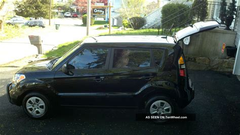 Kia Soul 2 Door 2011 Kia Soul Base Hatchback 4 Door 1 6l