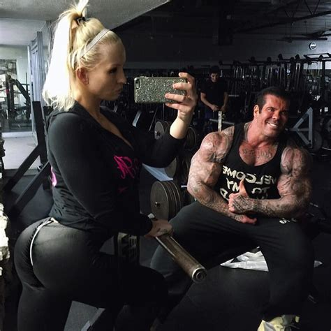 big show bench press the big show bench press mark henry lifted 175 kg s weight youtube melanie pullen paul randall