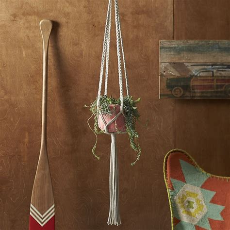 Macrame Plant Holder Pattern - 20 and fabulous summer decor finds