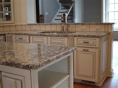 how level do cabinets to be for quartz 117 best images about counter tops backsplash on