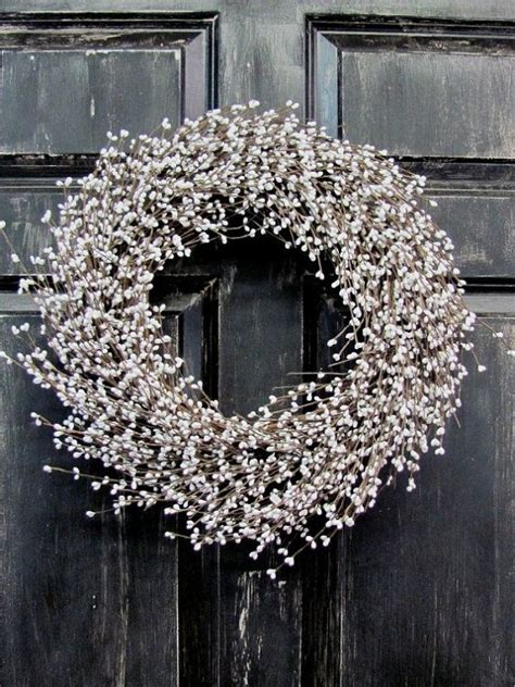 winter white pip berry wreath christmas wreath white