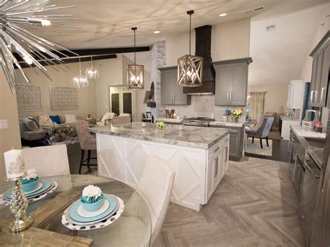 flipping houses in las vegas 10 things to know about flip or flop vegas hosts bristol
