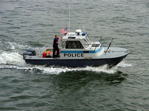 file new york police department boat jpg wikipedia - Pictures Of Police Boats