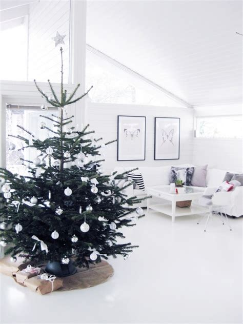 decoration minimalist 22 minimalist and modern tree d 233 cor ideas digsdigs