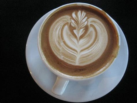 pattern latte art latte art barista interview and tips i need coffee