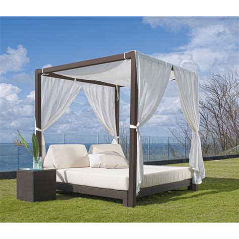 Daybed With Canopy Landscaper Outlet Outdoor Daybeds