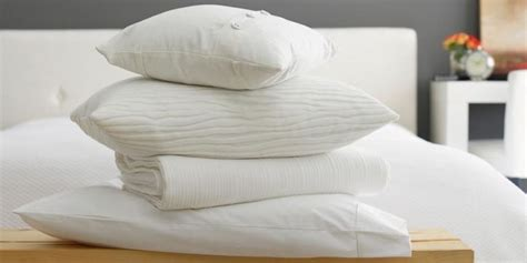 can i wash feather pillows in a washing machine how to clean pillows washing and feather bed pillows