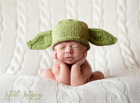 knit yoda hat pattern yoda or bat hat by melodysmakings knitting pattern