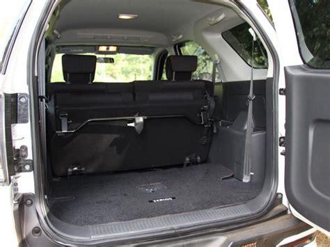 Karpet Bagasi Mobil Sedan tips merawat bagasi mobil agar tak berbau mobil123