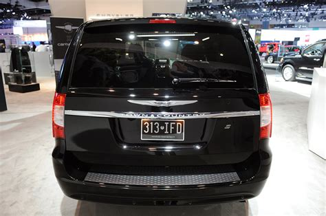 Chrysler Town And Country S by 169 Automotiveblogz 2013 Chrysler Town And Country S La