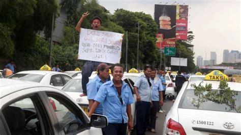 Negara Anarkis 5 aksi demo menolak uber taxi di berbagai negara sama