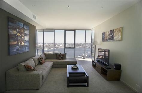 accommodation melbourne apartments 3 bedroom 3 bedroom apartment weekly docklands apartments