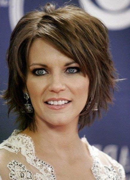 Hairstyles For Thick Hair And Oval by Haircuts Thick Wavy Hair Oval Hair And Make
