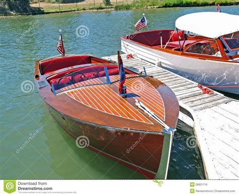 how to build a timber speed boat google search boats klassieke houten chris craft stock foto afbeelding 28921716