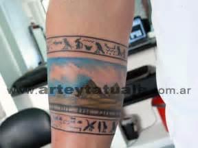 tatuaje brazalete egipcio arte y tatuaje