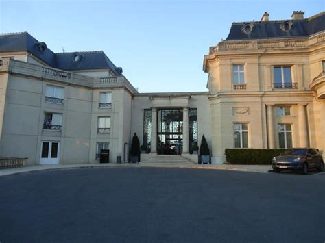 chateau hotel mont royal from driveway picture of tiara chateau hotel mont royal chantilly la