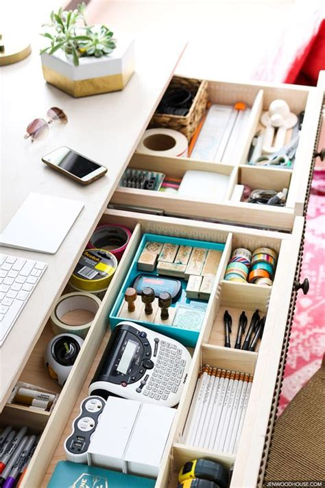 organizing a desk without drawers 25 best ideas about desk drawer organizers on