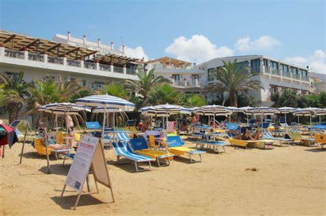 hotel ristorante al gabbiano hotel sul mare al gabbiano scoglitti
