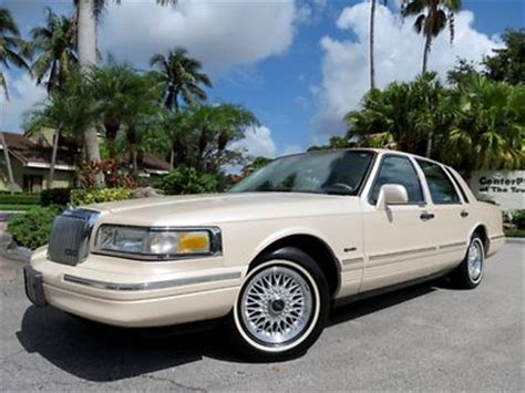 97 lincoln towncar buy used stunning vanilla white pearl 97 lincoln town car