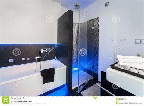 badezimmerdusche designs bilder modern bathroom with shower royalty free stock images