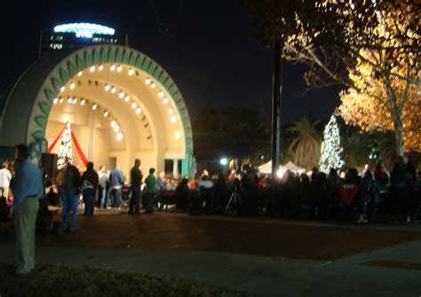 lake eola christmas lights in orlando photos in orlando orlando guide