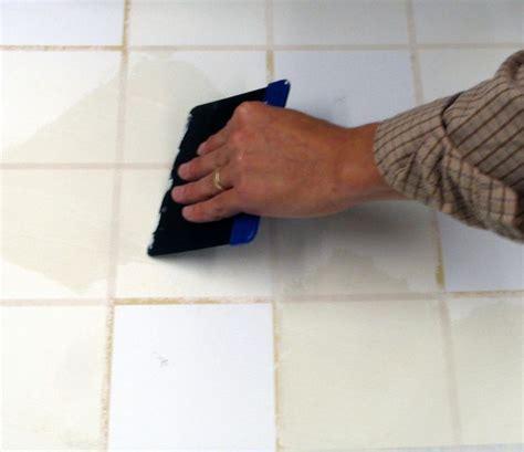 stucco piastrelle come si stuccano le piastrelle una guida per realizzare