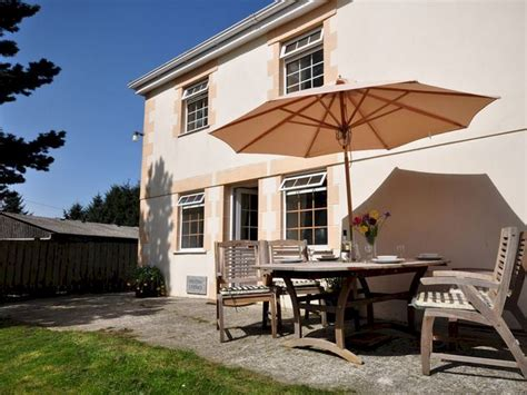 Friendly Cottages In Padstow by Family Friendly Cottage Within Driving Distance Of Port