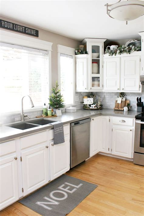 decorating ideas for a kitchen kitchen decorating ideas clean and scentsible