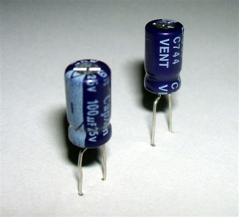 o que é capacitor eletrolitico capacitor eletrol 237 tico wikip 233 dia a enciclop 233 dia livre