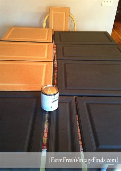 painting kitchen cabinets with sloan chalk paint painted laminate kitchen cabinets farm fresh vintage finds