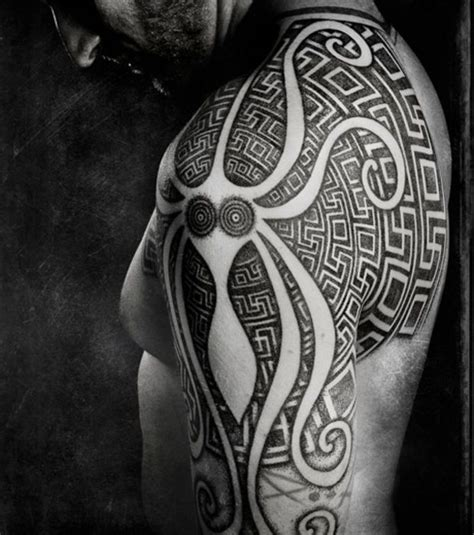 tribal tattoos reading plus 17 best ideas about tatouage pieuvre on