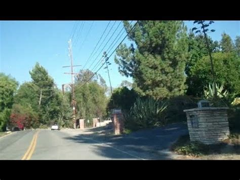 tour of homes on mulholland drive in los angeles