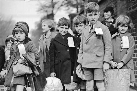 evacuation world war ii world war ii evacuation evacuated children dk find out
