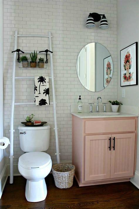 cheap way to decorate bathroom 19 s 218 per ideas de soluciones de almacenaje para ba 241 os peque 241 os