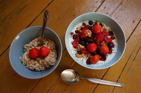 gambar buah berry manis mangkuk hidangan makan