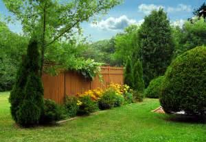38 clever backyard shrub garden ideas