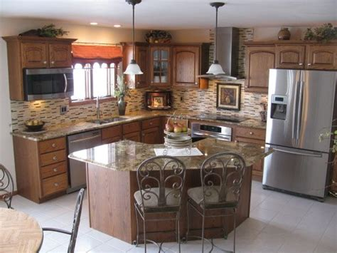 kitchen with island layout best 25 corner kitchen layout ideas on pinterest l