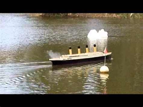 rc boats sinking youtube rc titanic reenactment of the sinking with commentary