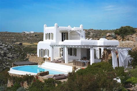 villa luxury rentals in greece