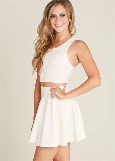 Set Dressm white sleeveless crop top flared skirt two dress set this white 2 dress