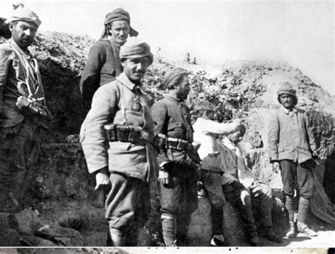 ottoman warfare turkish ottoman soldiers gallipoli caign soldiers world war i and world